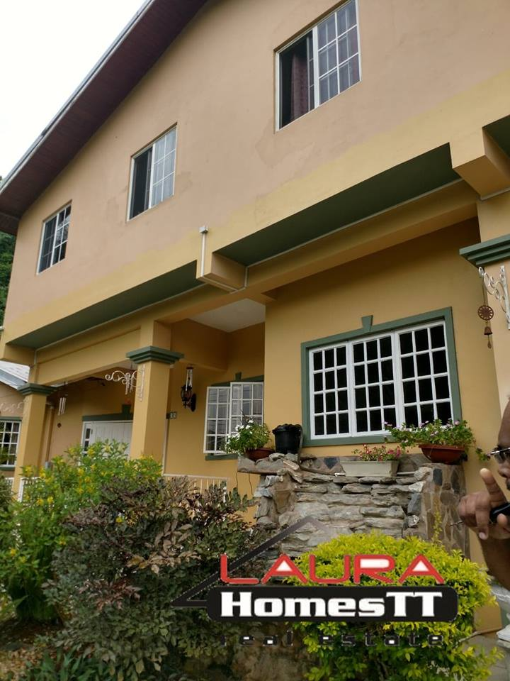 lovely five bedroom home for sale in moka  my bunch of keys