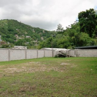 MARAVAL, SADDLE ROAD, PRIME LOCATION FOR RESIDENTIAL OR COMMERCIAL