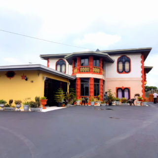 Grand 5-Bedroom Home, Penal