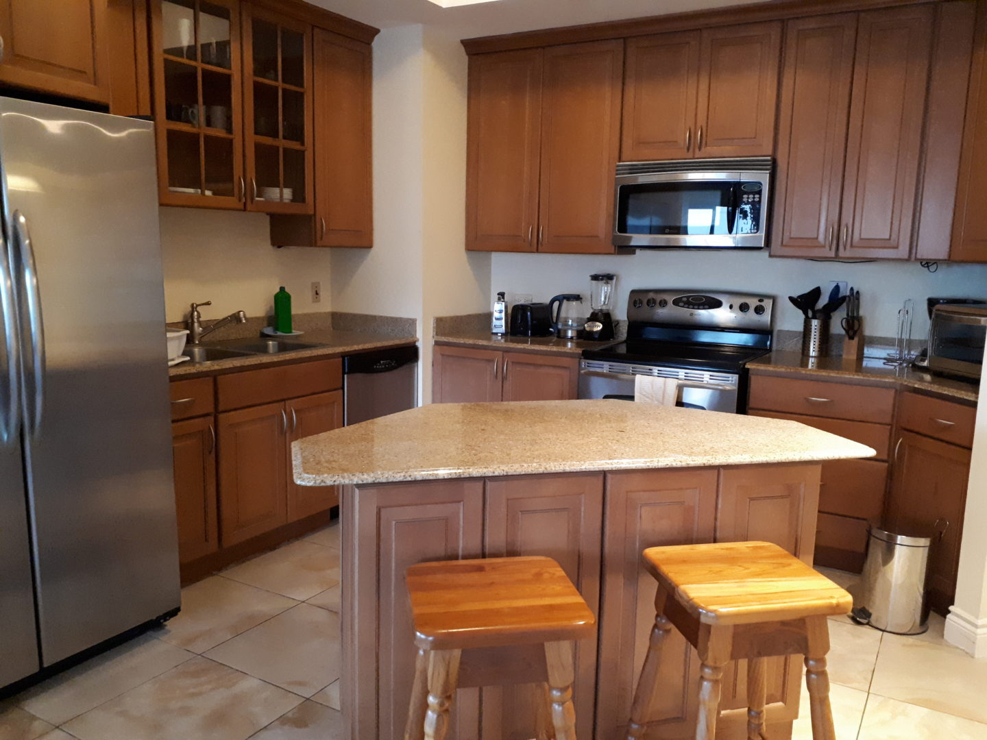 One Wood Brook Place  Executive Condo 7th Floor 3 bedroom  Rent $2800 USD