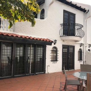 Fully Furnished & Equipped 3 Bedrooms, 3 Bathrooms Townhouse