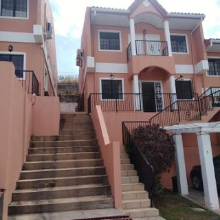 BAYSIDE MANOR TOWNHOUSE FOR RENT