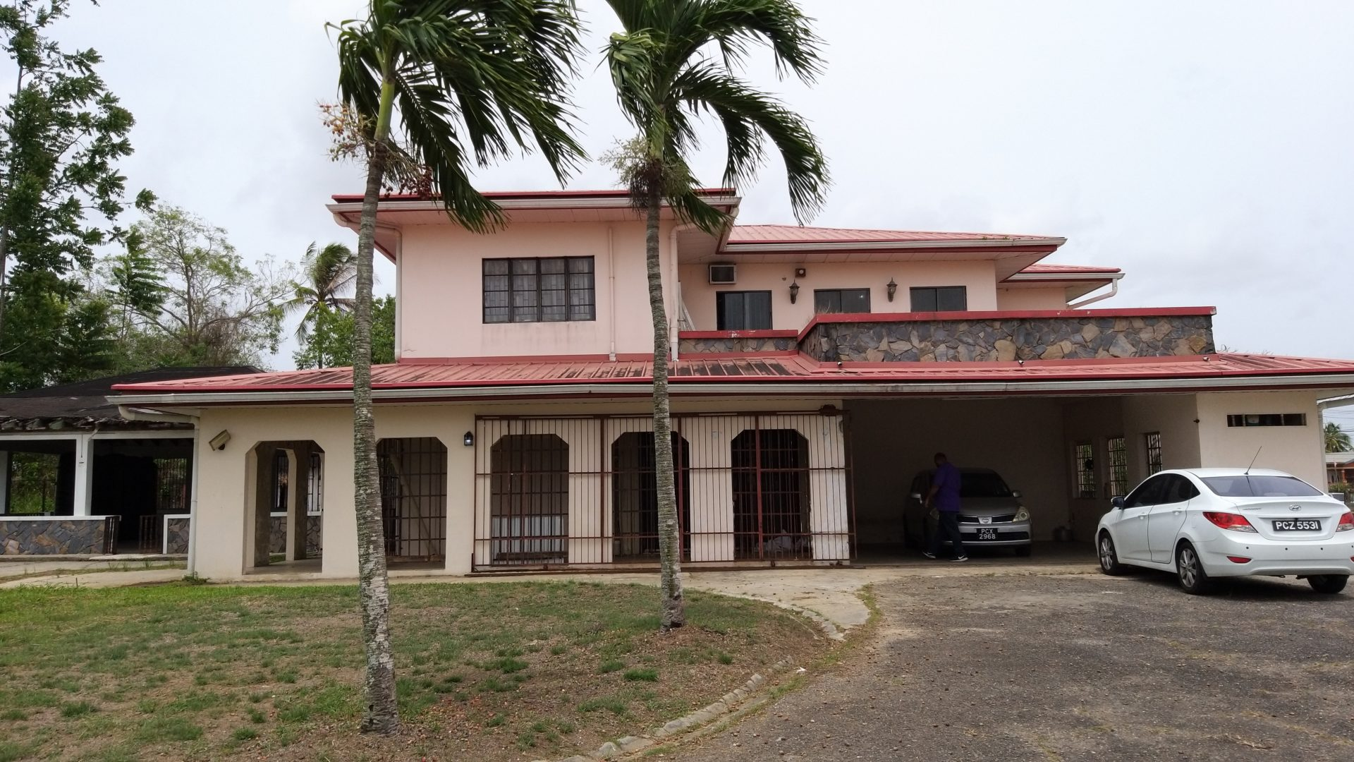 Large house on half acre of land in Central