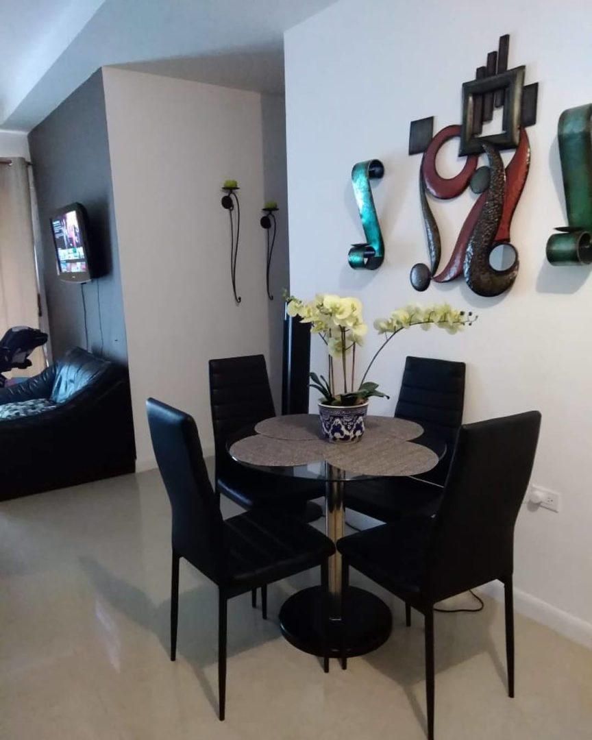 West Hills Penthouse Apartment