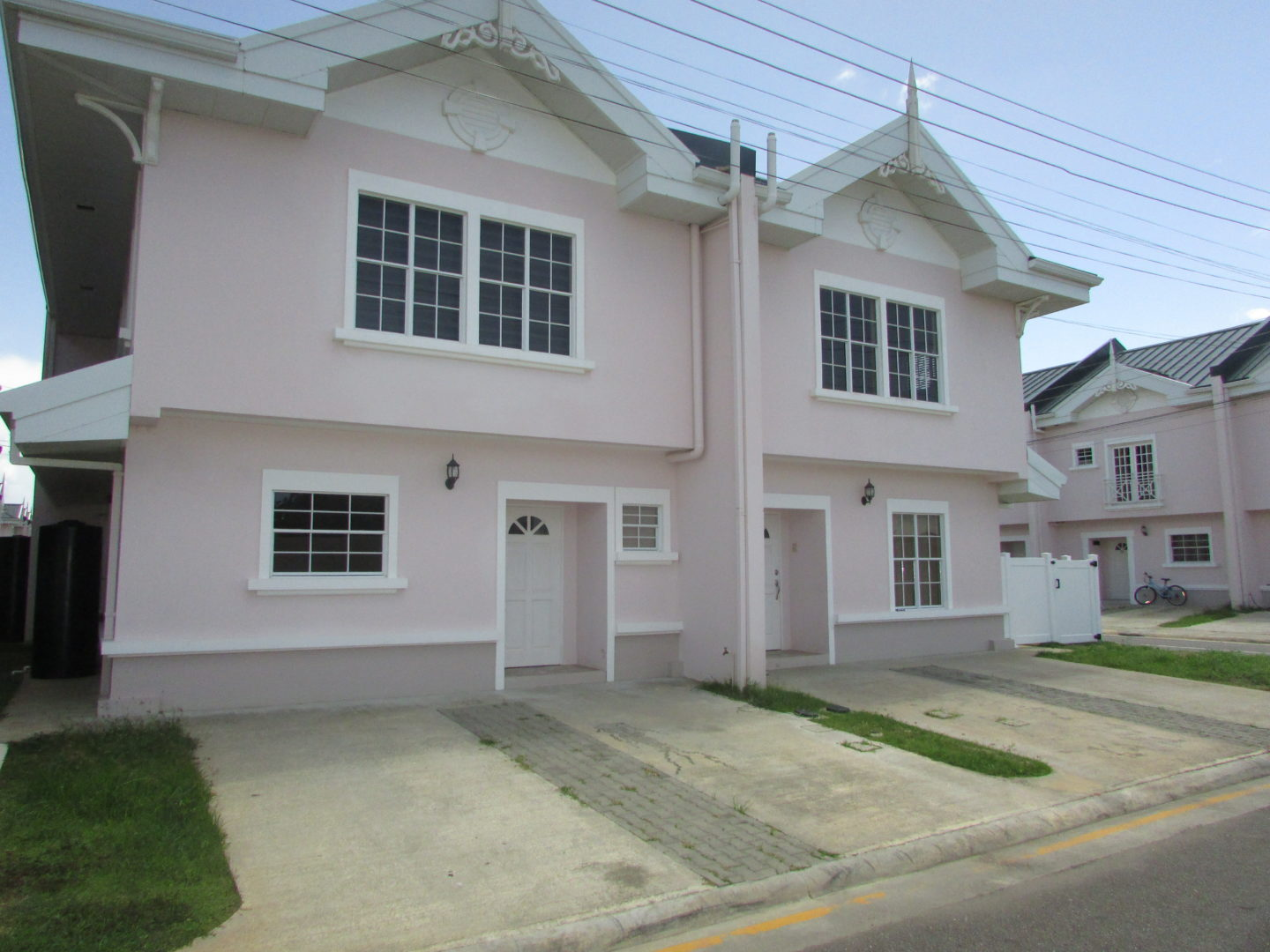 Brand new Brentwood Court For Rent – $9500 per month