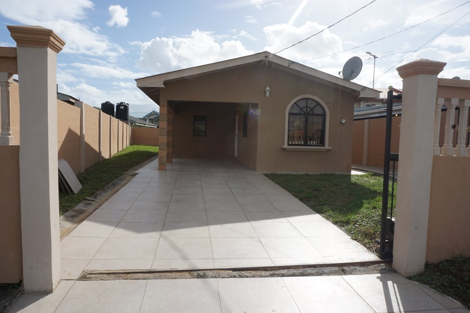 HOUSE FOR RENT BALMORAL PARK, CHAGUANAS :$6,000.00 Neg.