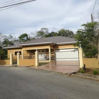 Charming Home for Sale; The Meadows, Freeport