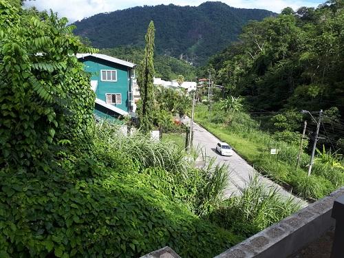 Modern Maraval house for rent $8500 ( Pet Friendly)
