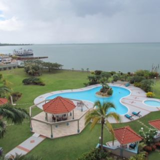 BAYSIDE TOWERS 2 BEDROOM APT. FOR SALE