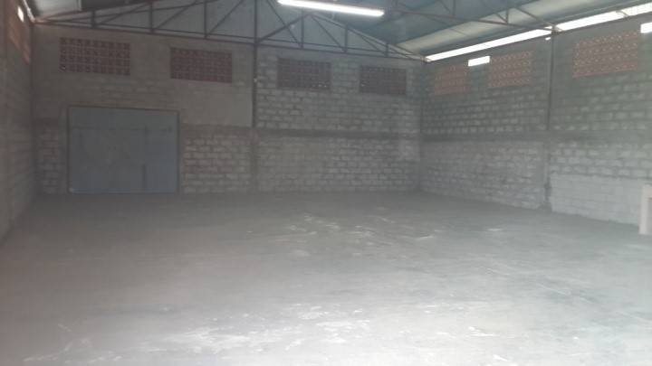 Warehouse 2400 sqft for rent.