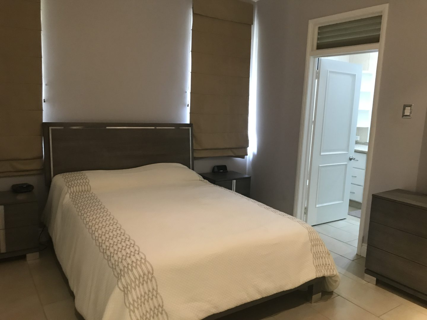 VERY SPACIOUS 3 BEDROOM, 3 AND 1/2 BATHROOM APARTMENT FOR ...