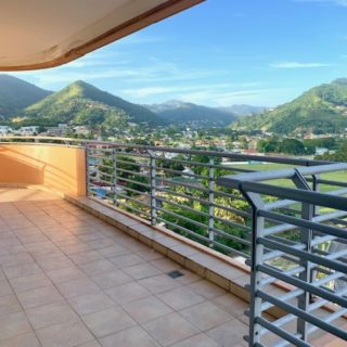 OWP 3 Bedroom with Fantastic Views!