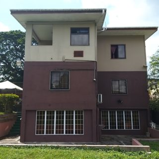 3 storey home in upscale La Romaine