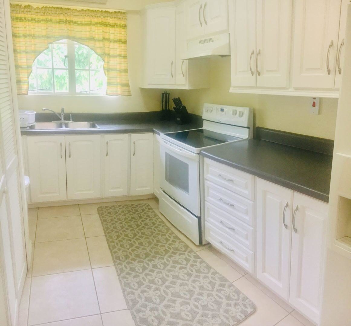 Furnished Apartments For Rent: FULLY FURNISHED MARAVAL APARTMENT -FOR RENT