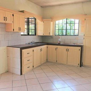 Cozy 2 Bedrooms House – Curepe – $3500