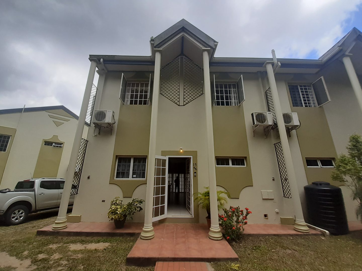 3 bedroom Maracas Valley apt for rent
