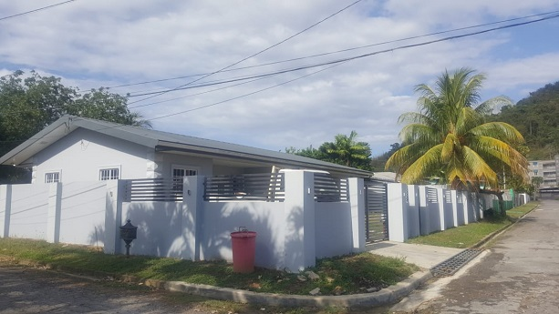 4 bed/ 3 bath single story house for sale petit valley 3.3 M