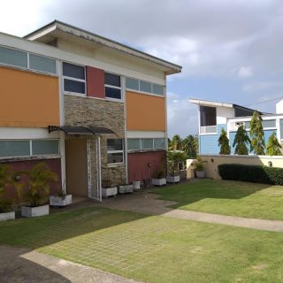 GULF VIEW , CIRCULAR Drive For RENT $9000