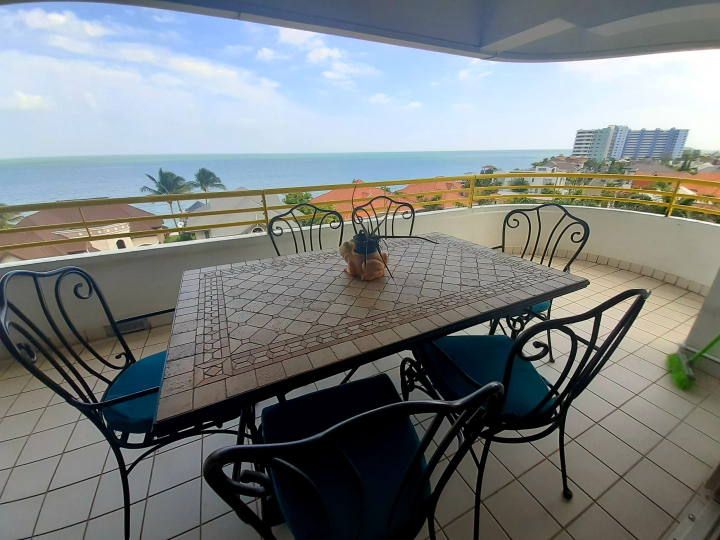 Arawak Towers with sea views apt for rent