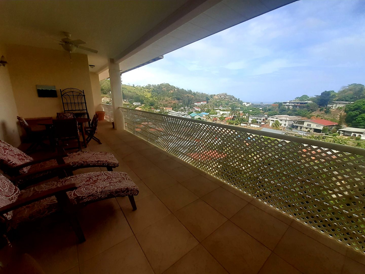 Pomme Rose apt with amazing views for SALE