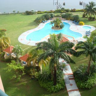 3 BEDROOM, FULLY FURNISHED, UPGRADED BAYSIDE TOWERS FOR RENT