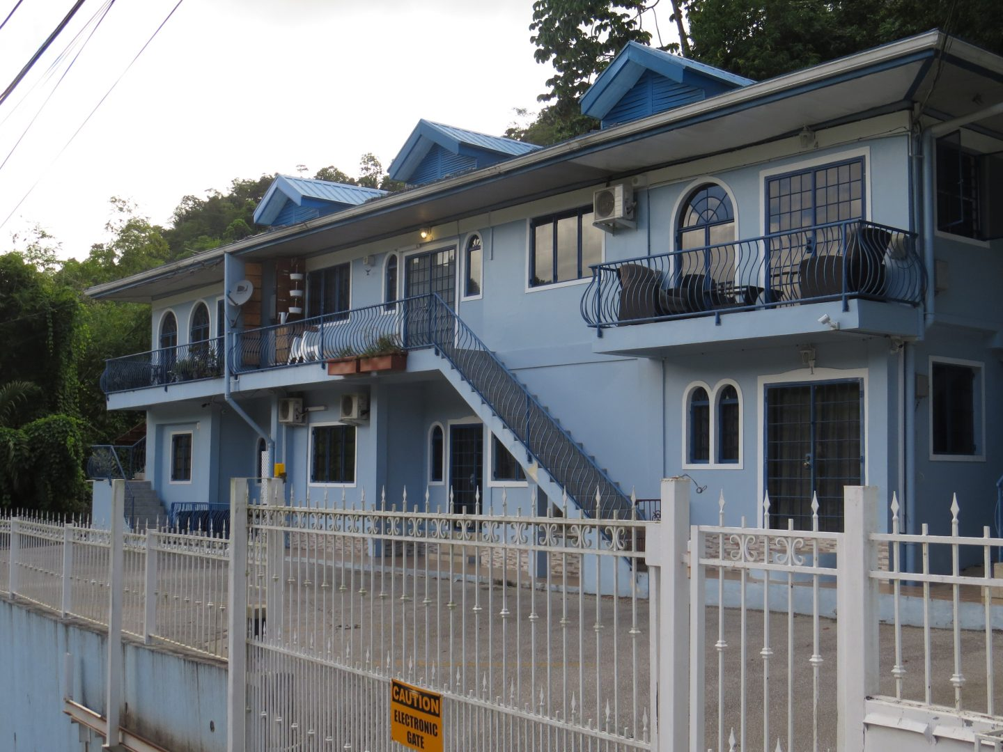 2 Bedroom Ground floor Apartment Cupen Road Maraval