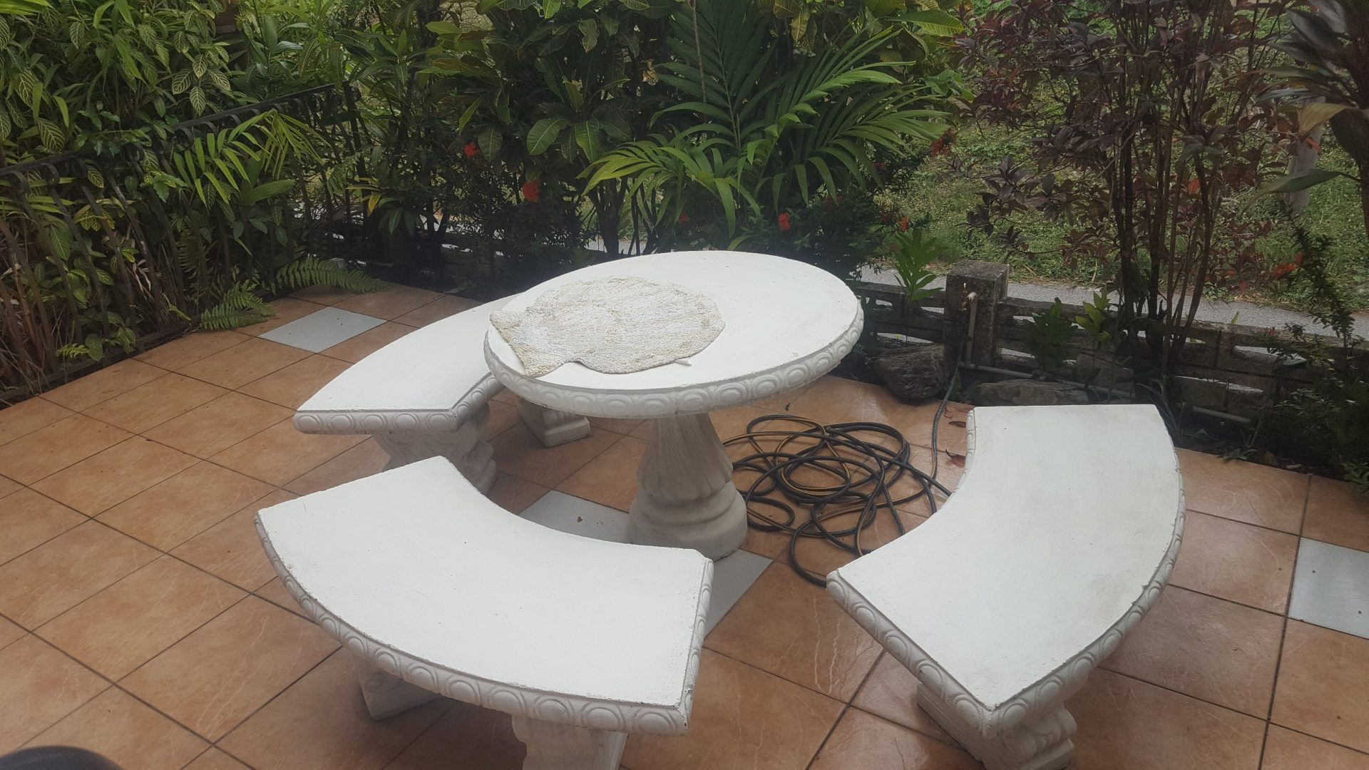 APARTMENT FOR RENT – LA SEIVA, MARAVAL