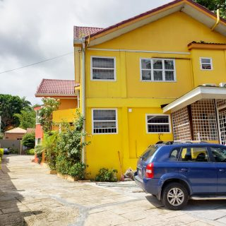 Townhouse For Sale in St. Ann's