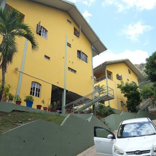MINGLES CONDOMINIUMS UNIT FOR SALE @ $1.65m ono or RENT @ $5,300