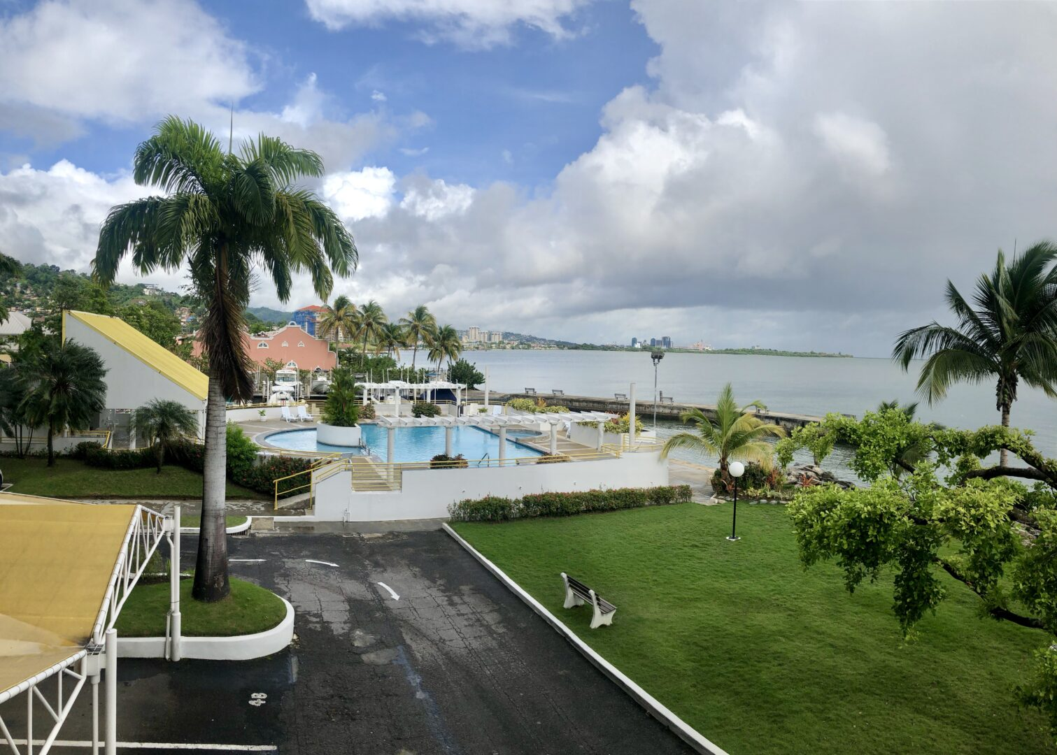 OCEAN VIEW APARTMENT FOR RENT @ CIBONEY TOWERS WESTMOORINGS BY THE SEA!