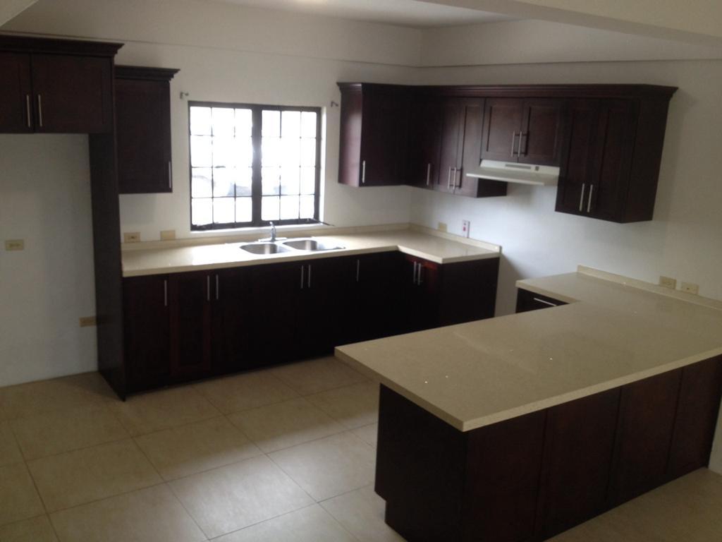 Aranguez tri-level unfurnished townhouse for rent
