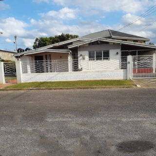House For Sale in Lange Park