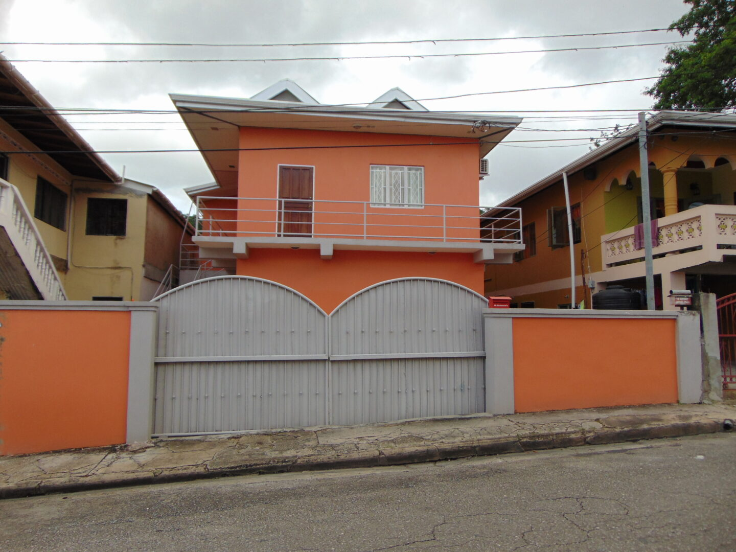 BELMONT NEWLY BUILT UNFURNISHED 2 BEDROOM, 2 BATH DOWNSTAIRS APARTMENT