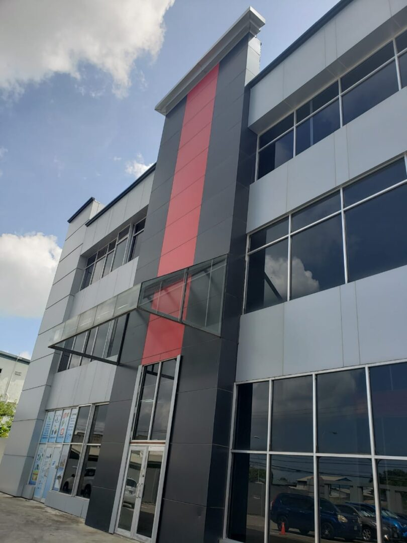 Commercial space for rent Conveniently located in a modern building in Charlieville