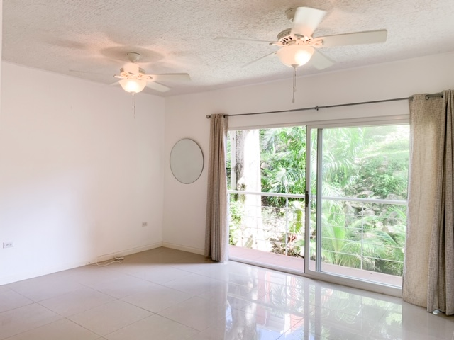 3 Bedroom West Hills with Appliances