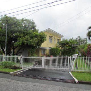 House for Rent in Bayshore
