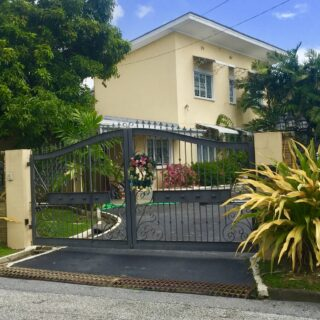 3 BEDROOM, 2 AND 1/2 BATHROOM HOUSE FOR RENT-BAYSHORE