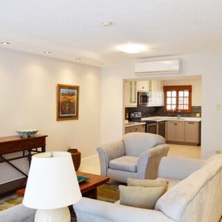 For Rent – Spanish Court, Westmoorings South East – Beautifully upgraded townhouse