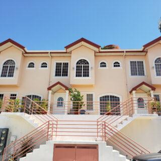 Townhouse for Sale in San Fernando