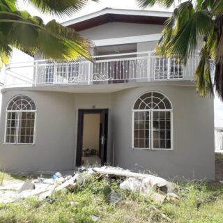 COUVA 5-Bedroom Home with Pool