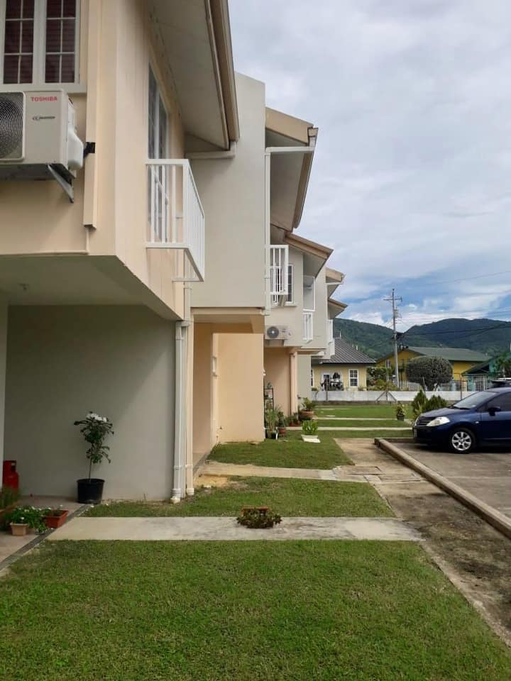FOR RENT: DINSLEY COURT, TRINCITY 3 BEDROOM TOWNHOUSE