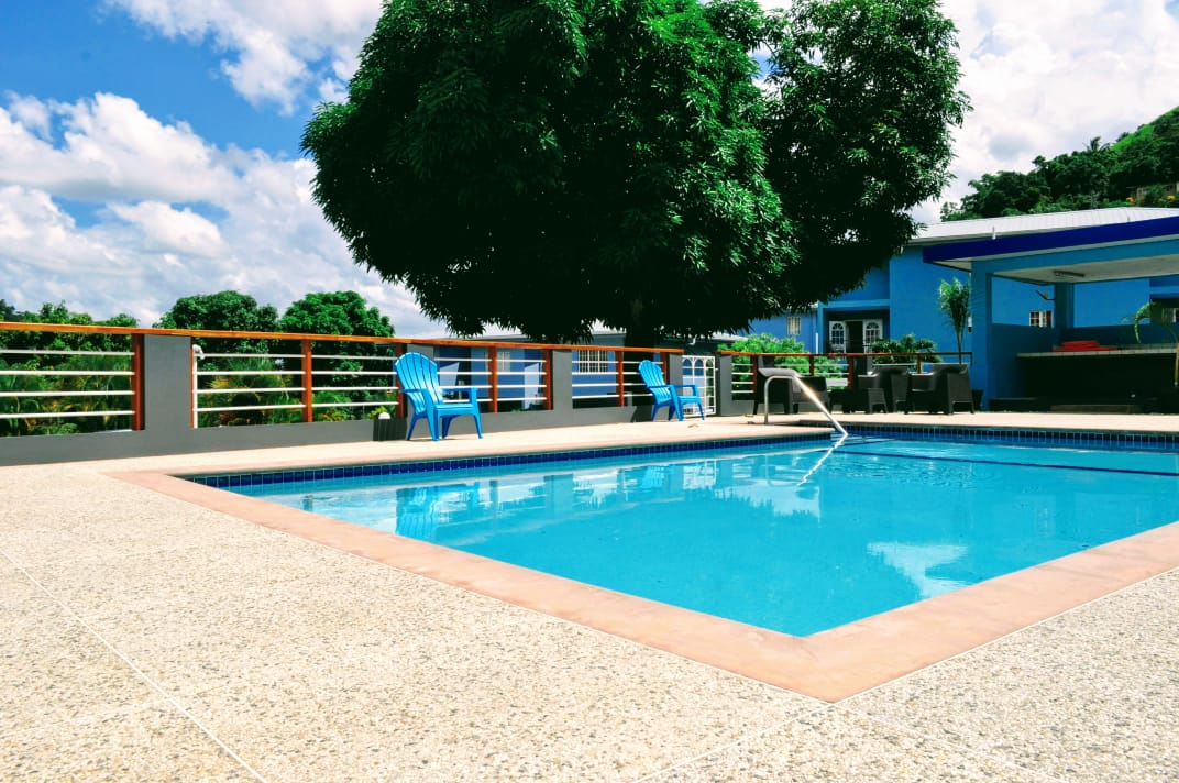 TOWNHOUSE FOR SALE WITH COMPOUND POOL -MARACAS VALLEY $1.8M