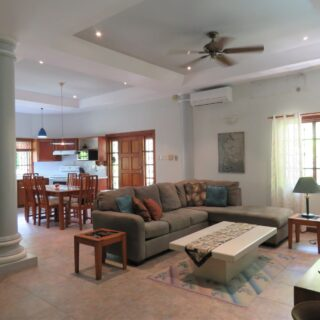 Maraval, Andulicia. Apartment for Rent