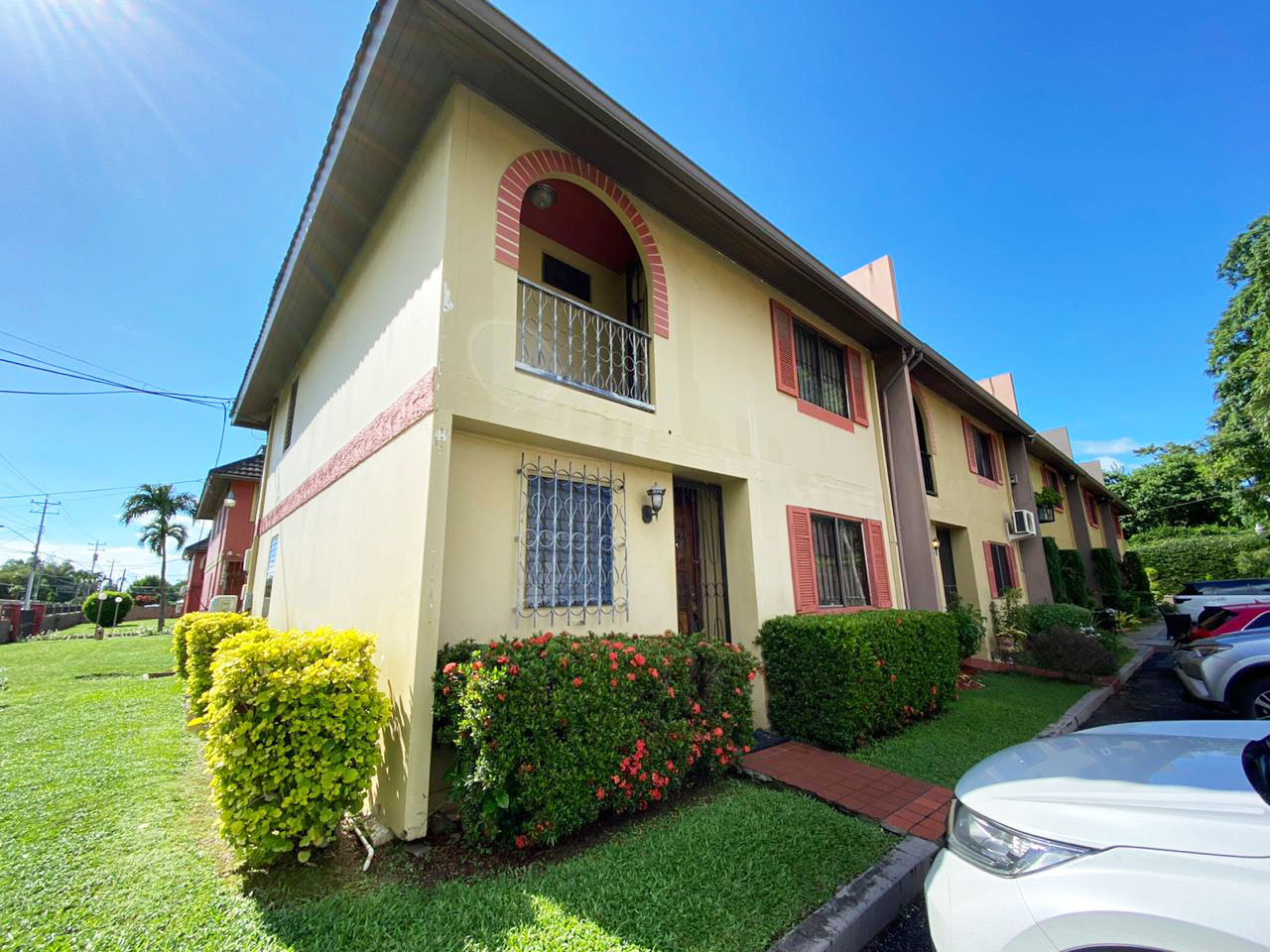 For Rent – Camelot Townhouses, Valsayn North – $9,500TT – 3 Bedroom townhouse