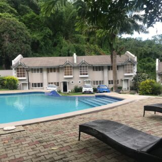 Townhouse for sale/rent in Maraval
