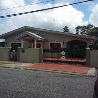 SINGLE STOREY RENOVATED HOUSE FOR SALE – SAVANNAH DRIVE TRINCITY $3.0M