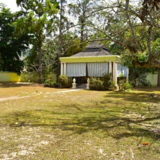 For Sale – Jamaica Boulevard, Federation Park – residential land in exclusive neighborhood
