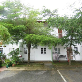 Townhouse For Rent in Maraval
