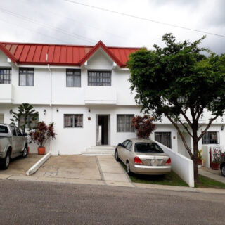 Townhouse For Rent in Cascade