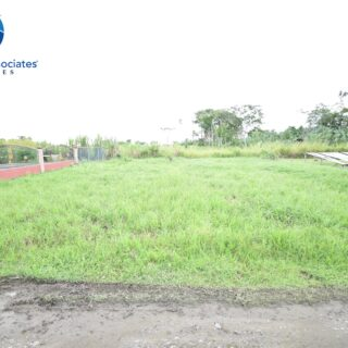 St. Helena/Cunupia Land for Sale – 700k (negotiable)